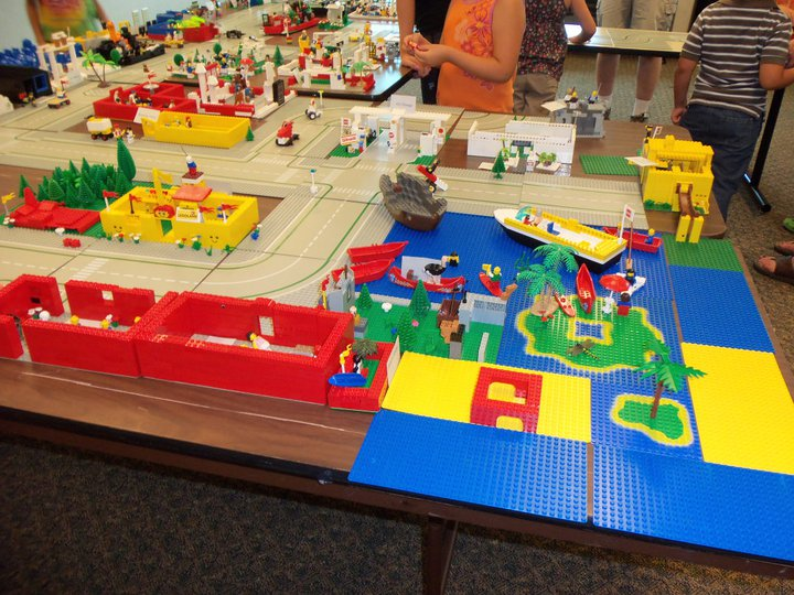 Lego Building Day At Franklin Library | SacramentoKids.net
